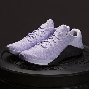 NEW Nike Metcon 5
